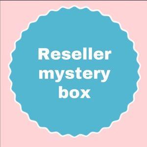 RESELLER MYSTERY BUNDLE, ALL NWT, MEDIUM